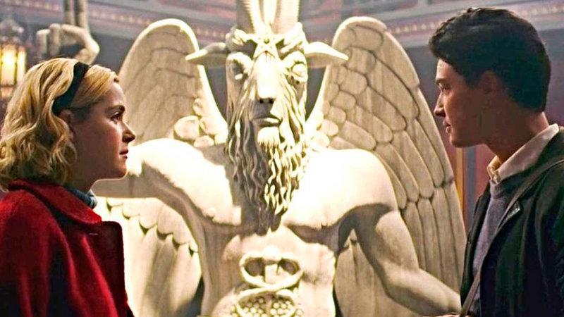 """Demandan a Sabrina por el """"poder"""" de Satanás"""